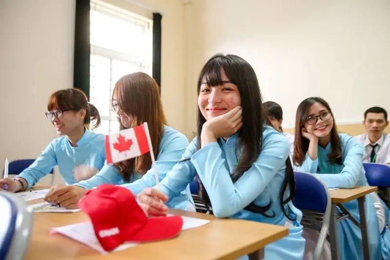 留学生猛增20%!安省今年5大热门大学+专业曝光!