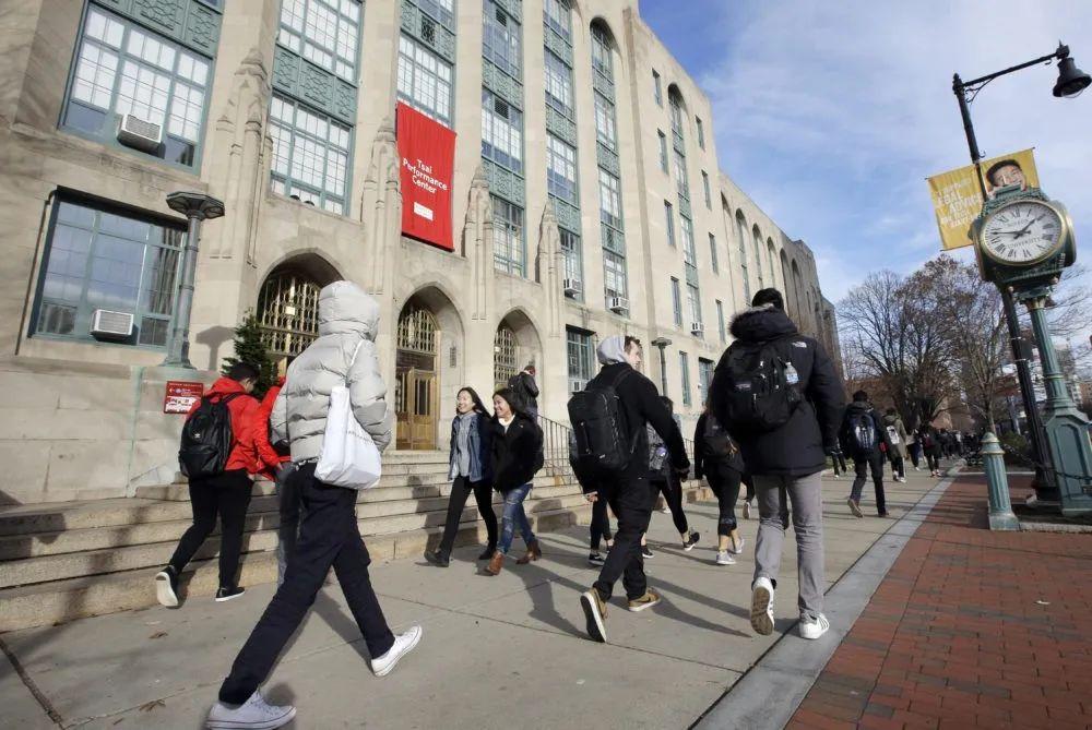 2020太难了!在美留学生将被强制离境?艰难之时如何做出明智选择?